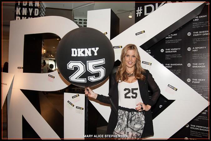DKNY25-08